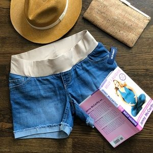 NWT, Old Navy Maternity Jean Shorts, size 4